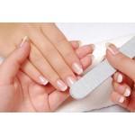 Запечатывание ногтей воском с помощью бафа